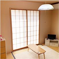 明るく過ごしやすい個室 冷暖房、各居室鍵完備